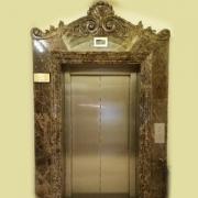 قاب آسانسور سنگی