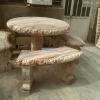 میز و نیمکت سنگی